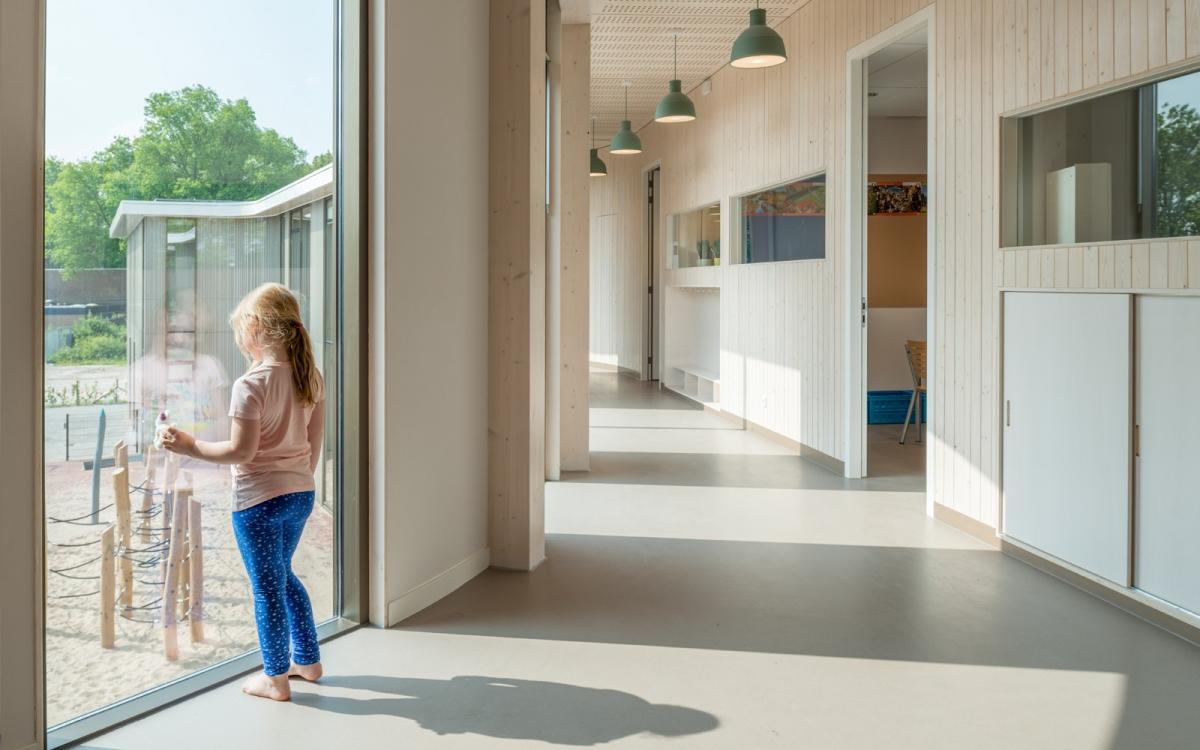 Houten brede school lisse happy building index